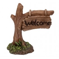 Welcome Tree Trunk Sign
